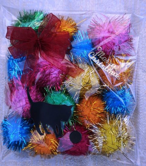 CHRISTMAS CAT TOY PACK - HAND DECORATED AND FILLED WITH 16 POM POM CAT TOYS #13